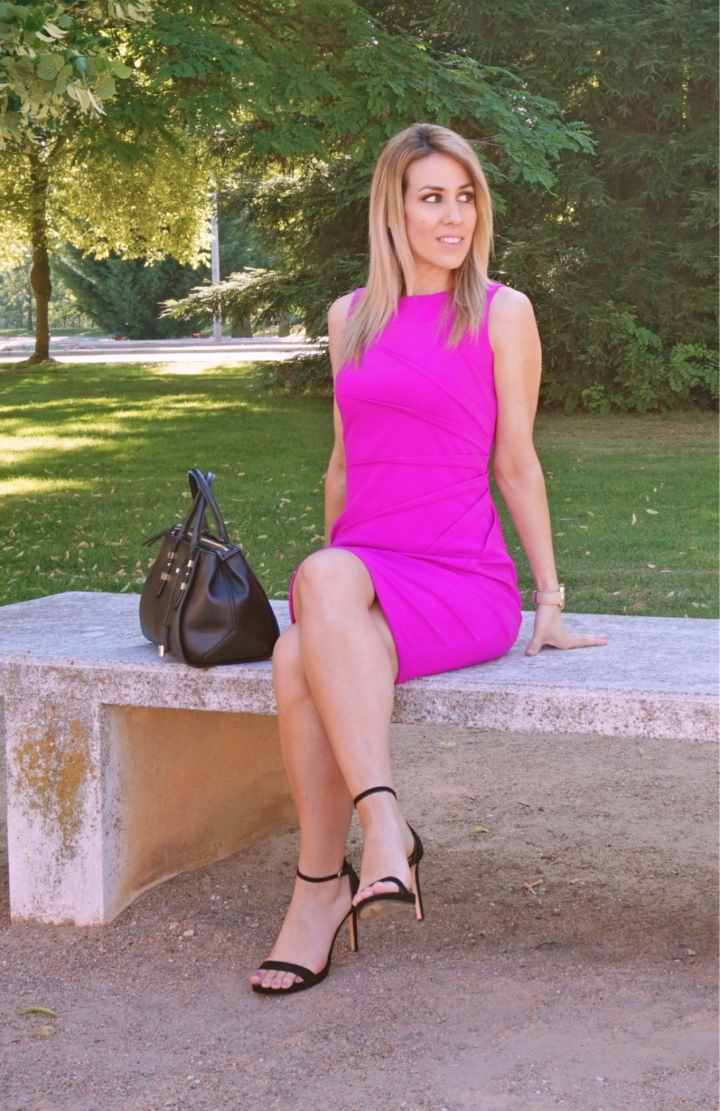 Lady in fuchsia