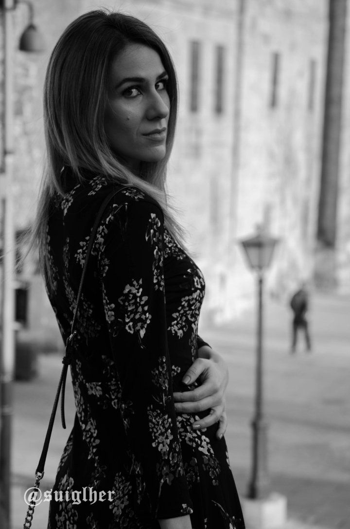 Vestido_flores_mango_negro17