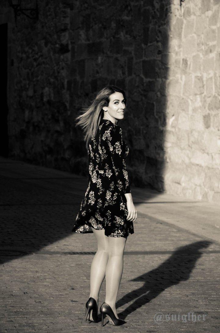 Vestido_flores_mango_negro8